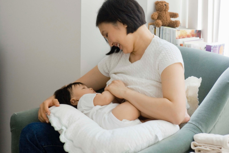 Maternal diet and perinatal factors influence the microbial composition of breast milk